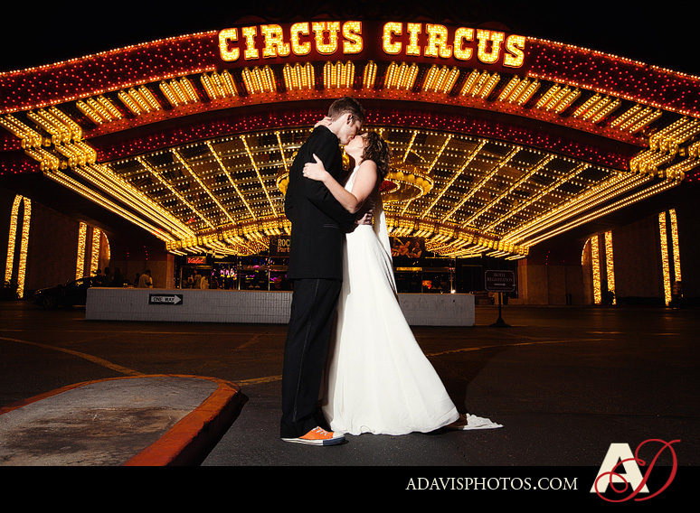 SarahBethChris LasVegas Wedding Portraits Dallas Wedding Photographer Allison Davis Photography 081 Sarah Beth + Chris: Bride & Groom Portraits in Las Vegas