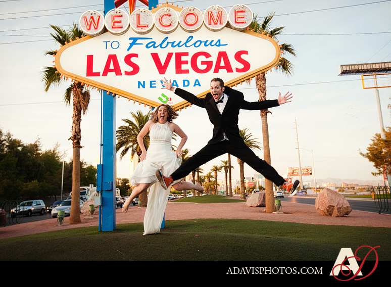 SarahBethChris LasVegas Wedding Portraits Dallas Wedding Photographer Allison Davis Photography 181 Sarah Beth + Chris: Bride & Groom Portraits in Las Vegas