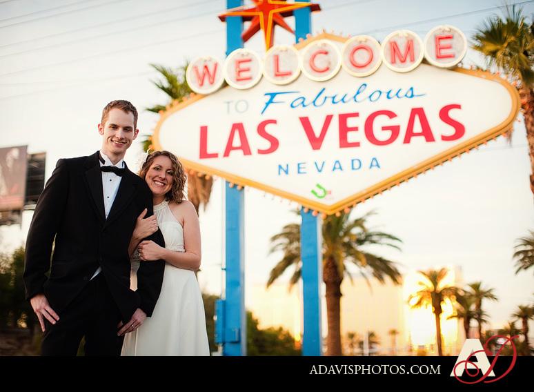 SarahBethChris LasVegas Wedding Portraits Dallas Wedding Photographer Allison Davis Photography 191 Sarah Beth + Chris: Bride & Groom Portraits in Las Vegas