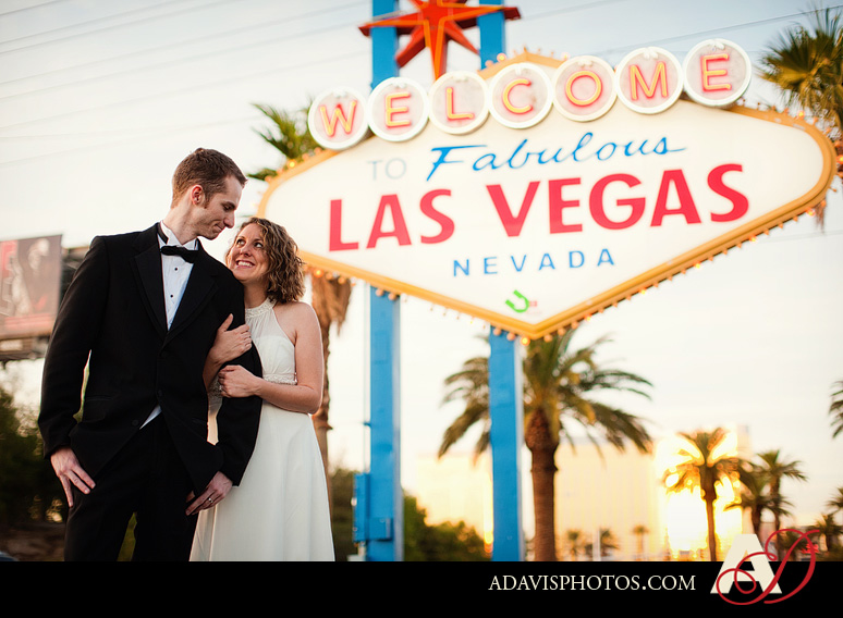 SarahBethChris LasVegas Wedding Portraits Dallas Wedding Photographer Allison Davis Photography 201 Sarah Beth + Chris: Bride & Groom Portraits in Las Vegas