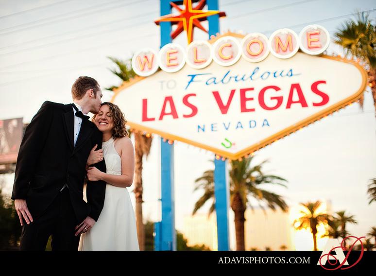 SarahBethChris LasVegas Wedding Portraits Dallas Wedding Photographer Allison Davis Photography 211 Sarah Beth + Chris: Bride & Groom Portraits in Las Vegas