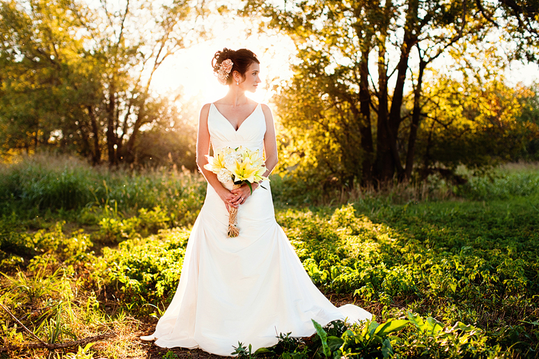 southern and country bridal portraits with beautiful lighting by Allison Davis Photography