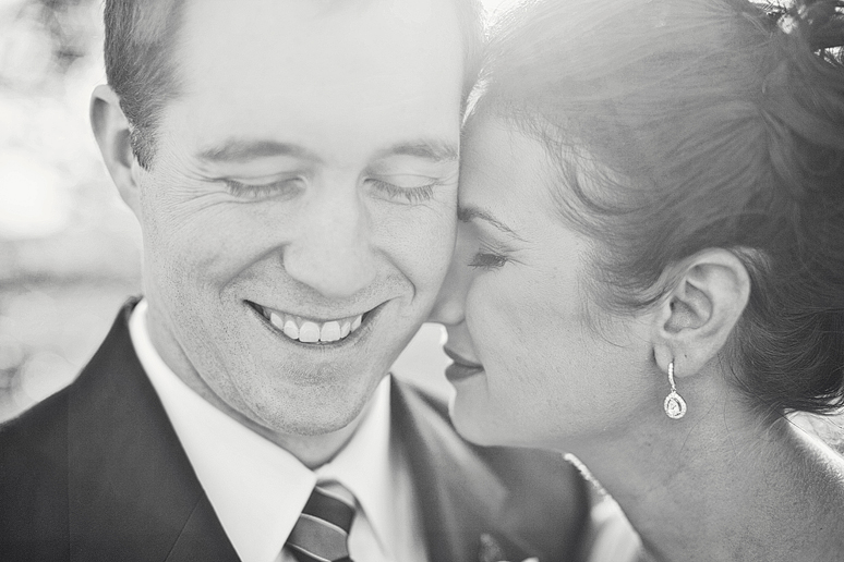 romantic and modern wedding photography by Dallas wedding photographer Allison Davis Photography