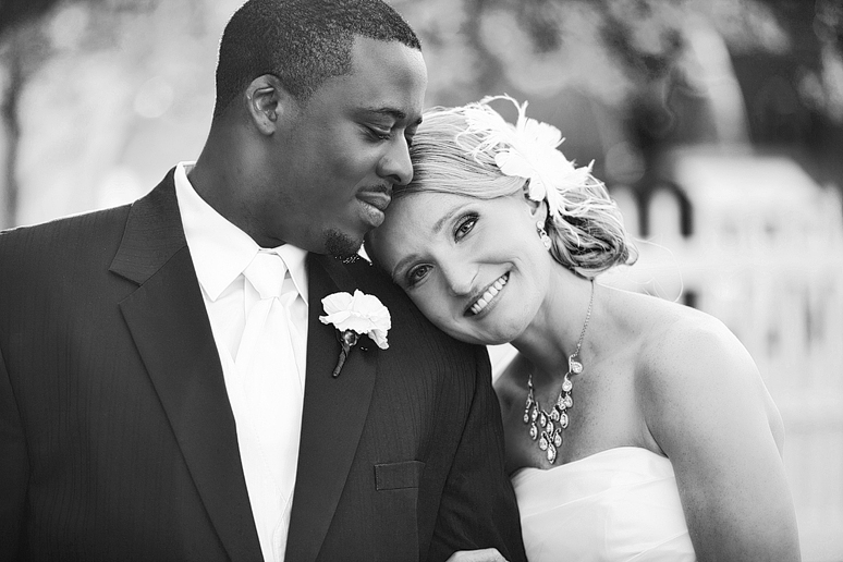 YWCA wedding photographs by Allison Davis Photography of north Texas