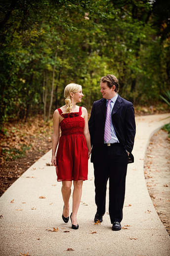 winter engagement portraits at the fort worth botanical gardens