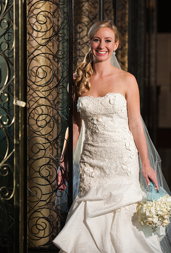 bridal portraits at the Fort Worth Club in the mirror hallway