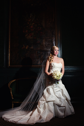 elegant bridal portraits at the Fort Worth Club