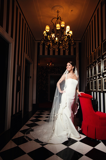Stoneleigh Hotel bridal portraits by Allison Davis Photography