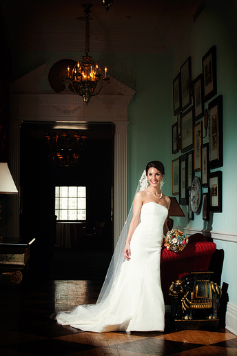 Allison Davis Photography bridal portraits at the Stoneleigh Hotel in downtown Dallas