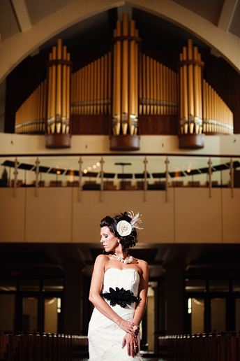 modern bridal portraits at Christ Church by Allison Davis Photography