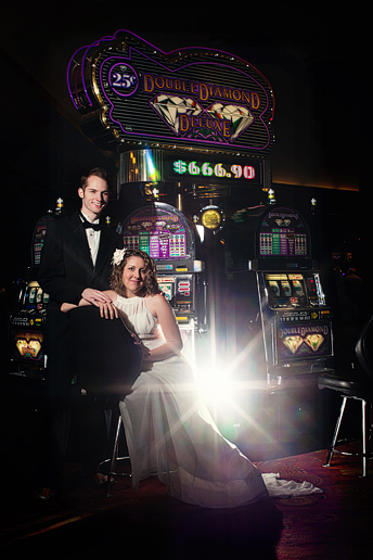 las vegas wedding bride and groom portraits by Allison Davis