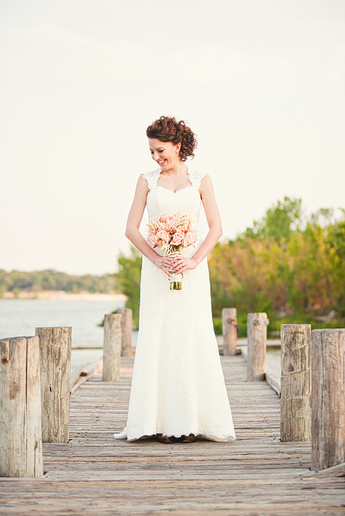 Allison Davis Photography bridal portraits on a boat dock at white rock lake