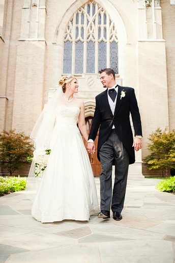 highland park united methodist wedding portraits of the Bride and groom by Allison Davis Photography
