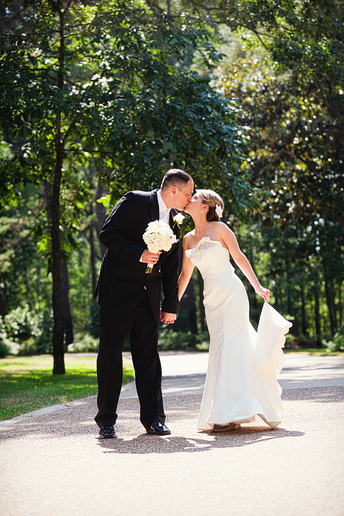 wedding portraits of the Bride and groom by dallas photographer Allison Davis Photography