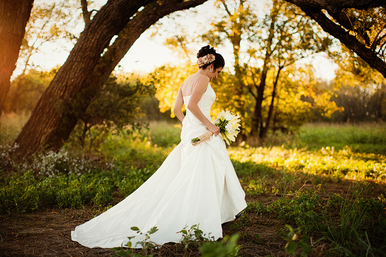 rustic country-inspired bridal portraits by Allison Davis Photography