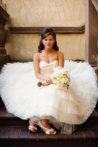 elegant bridal portrait at the las Colinas Canals staircase by Allison Davis Photography