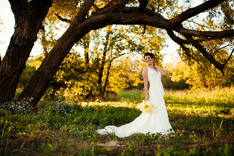 natural and beautiful bridal portraits under a large tree by Allison Davis Photography