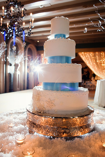 winter wedding cake with snowflakes
