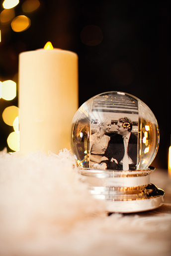winter wedding table decor idea
