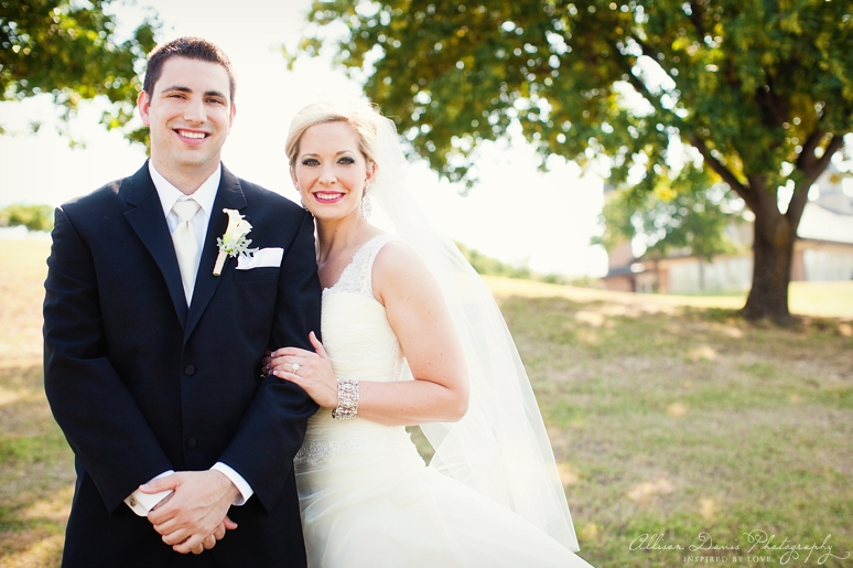 Mandy Daniel Wedding at Hackberry Country Club byAllisonDavisPhotography 0016 <span>Mandy & Daniel:</span><br/>Wedding at the Hackberry Country Club<br/>{Dallas Wedding Photographer}