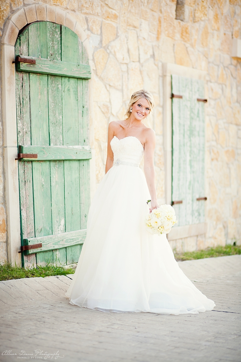 Kellie Bridal Portraits McKinney Adriatica Dallas Wedding photographer Allison Davis Photography  017 <span>Kellie:</span><br/>Bridal Portraits at Adriatica<br/>{Dallas Wedding Photographer}