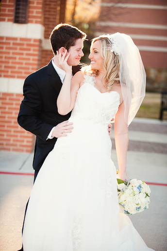 Alyssa&Tyler_Wedding_at_Hickory_street_Annex_The_Heights_Baptist_Church_AllisonDavisPhotography_034