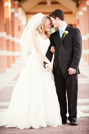 Alyssa&Tyler_Wedding_at_Hickory_street_Annex_The_Heights_Baptist_Church_AllisonDavisPhotography_042