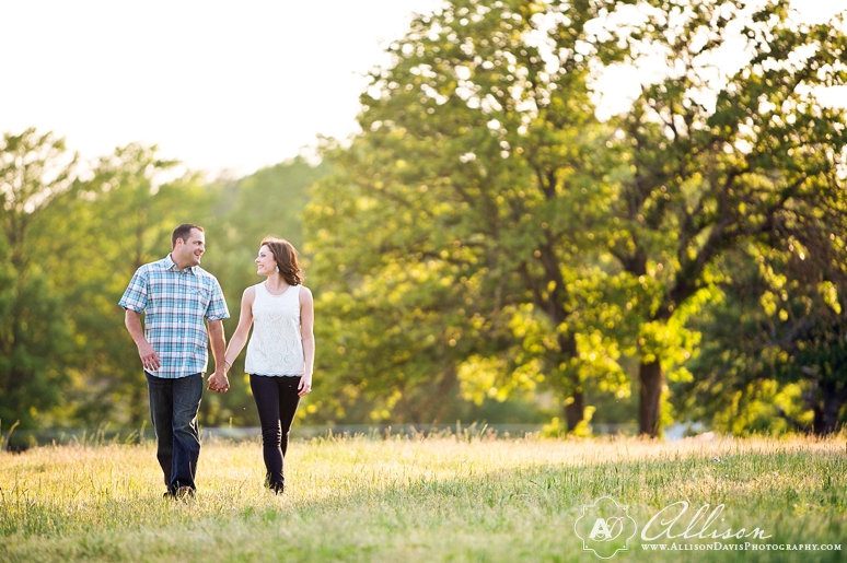 Lindsay Jeremy Engagement Portraits in Denton Texas by Allison Davis Photography 002 <span>Lindsay & Jeremy:</span><br/>Engagement Portraits in Denton, Texas