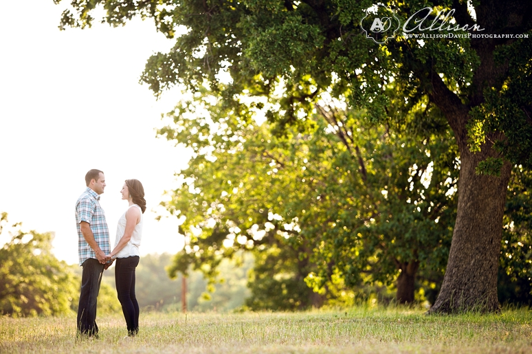 Lindsay Jeremy Engagement Portraits in Denton Texas by Allison Davis Photography 004 <span>Lindsay & Jeremy:</span><br/>Engagement Portraits in Denton, Texas