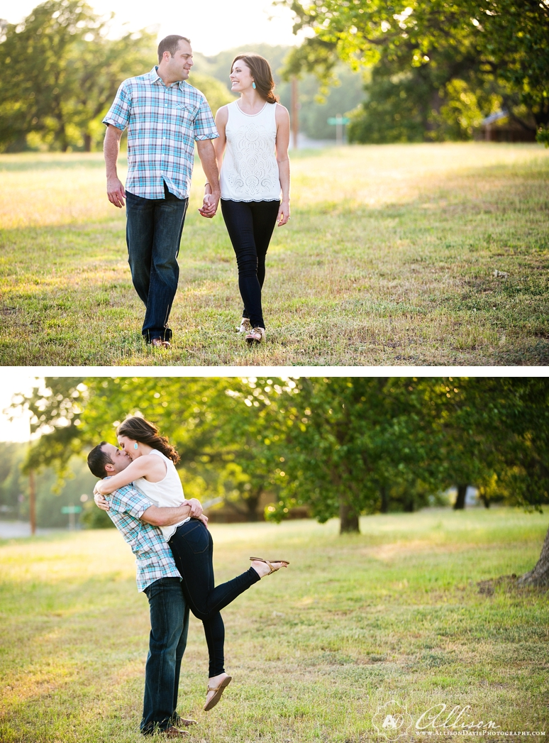 Lindsay Jeremy Engagement Portraits in Denton Texas by Allison Davis Photography 008 <span>Lindsay & Jeremy:</span><br/>Engagement Portraits in Denton, Texas