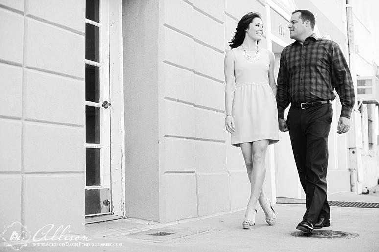 Lindsay Jeremy Engagement Portraits in Denton Texas by Allison Davis Photography 017 <span>Lindsay & Jeremy:</span><br/>Engagement Portraits in Denton, Texas