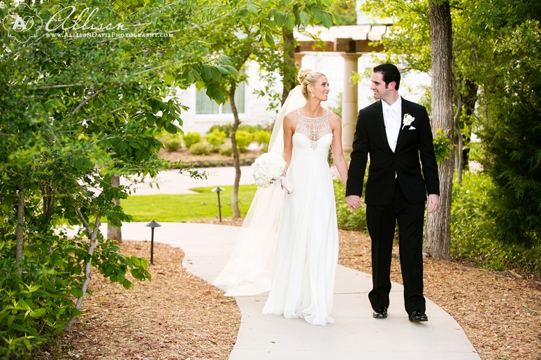 Loren Matt Wedding at Ashton Gardens by Dallas Wedding Photographer Allison Davis Photography 032 <span>Loren & Matt:</span><br/>Wedding at Ashton Gardens