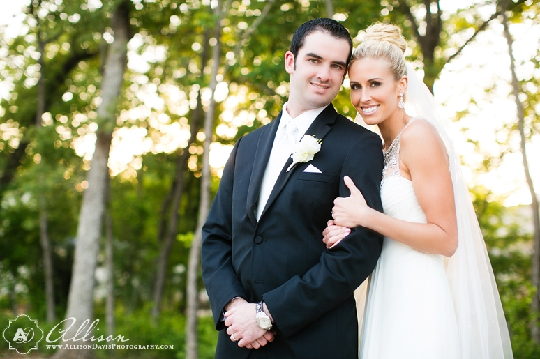 Loren Matt Wedding at Ashton Gardens by Dallas Wedding Photographer Allison Davis Photography 041 <span>Loren & Matt:</span><br/>Wedding at Ashton Gardens