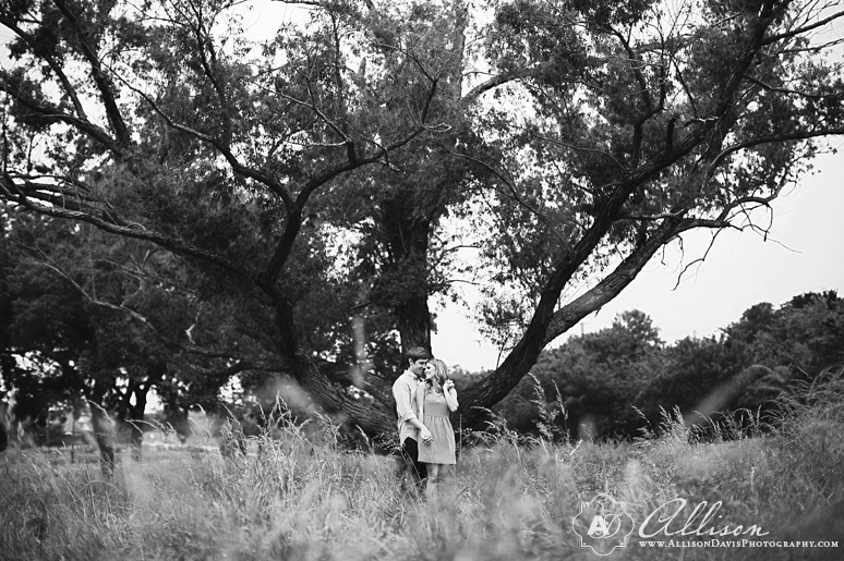 Taylor Tyler Engagement Portraits at White Rock Lake Dallas Allison Davis Photography 027 <span>Taylor & Tyler:</span><br/>Dallas Engagement Portraits at White Rock Lake