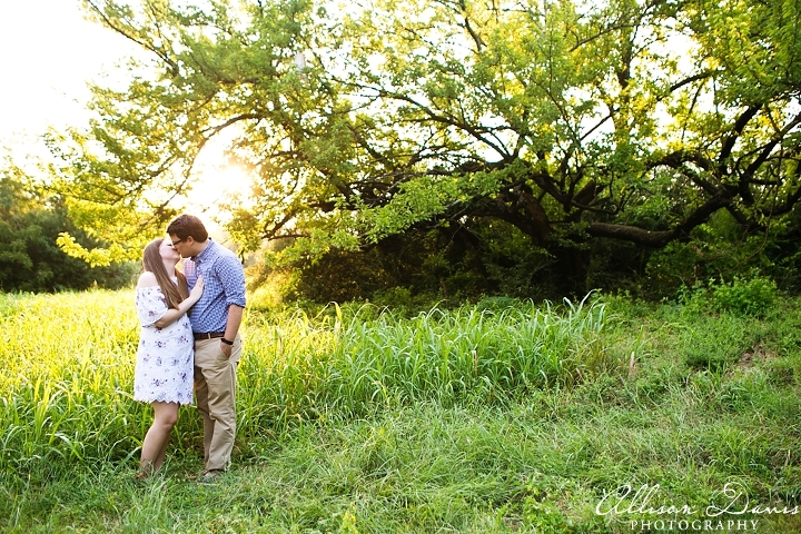Becca_Matt_Engagement_Portraits_WhiteRockLake_AllisonDavisPhotography_003